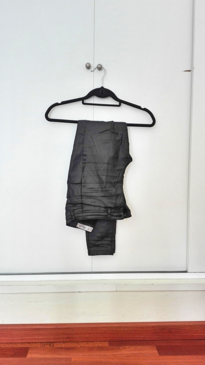 blackpants.jpg